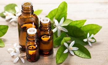 Aromaterapija: eterinių aliejų nauda žmogaus sveikatai